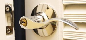 Pick the right security lock for your situation with profeessional locksmith London repair and installers