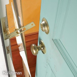 your swift locksmith london helping you keep secure broken door