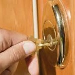 locksmith worcester opening door smoothly