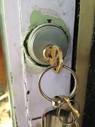 locksmith edinburgh key in lock