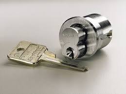 locksmith bristol lock