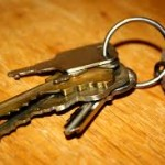 kingsbury keyring with keys on table
